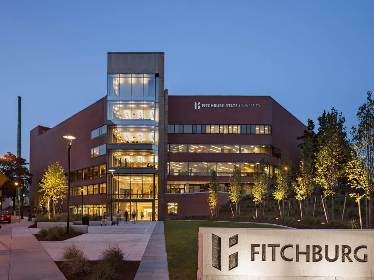 fitchburg-state-university-online-mba-in-human-resources-management